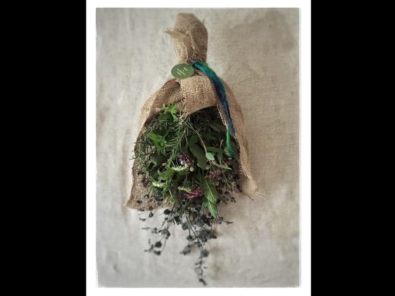 生花からドライフラワーになるのを楽しむナチュラルハーブスワッグ♪の画像