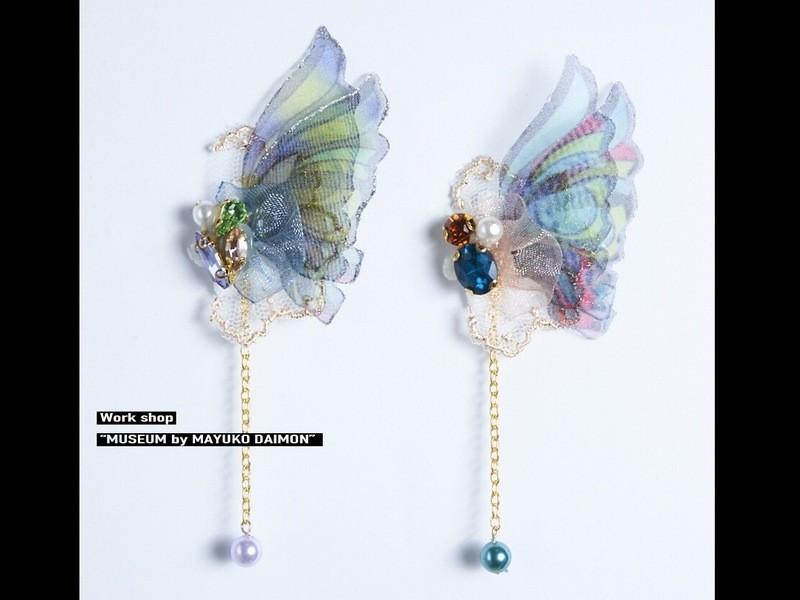 気まぐれ蝶々のオーガンジーピアスの画像
