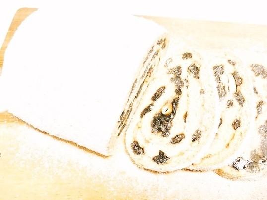 オーガニック・お砂糖油脂なしでヘルシー♪有機全粒粉9割シュトーレンの画像