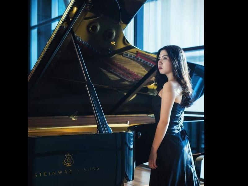 実力派ピアニストにならってみる素敵なピアノの演奏とは?の画像