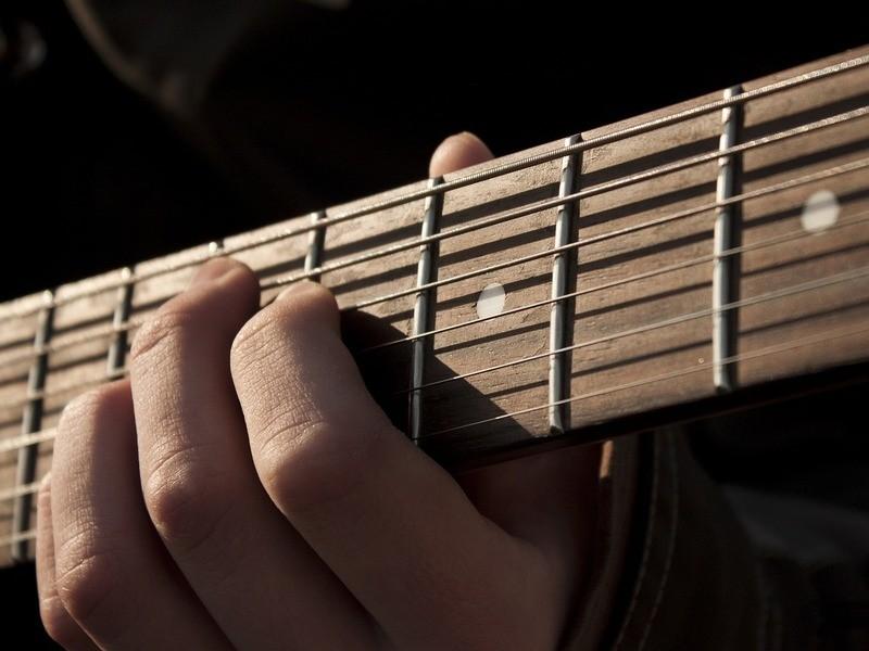 【初回限定】絶対に挫折させない0からのギターレッスンの画像