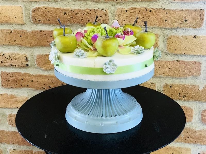 初夏のフラワーケーキ作りの画像