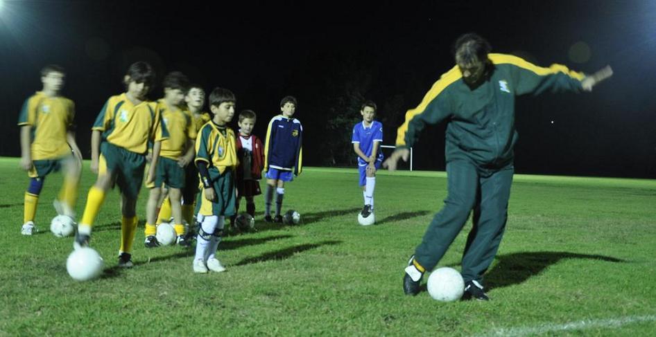 (サッカーフットサル・スクール形式)要望に応じた技術向上プログラム
