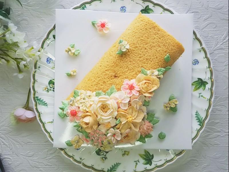 【女子力UP】キャラメルバタークリームで作るフラワーロールケーキ❁の画像