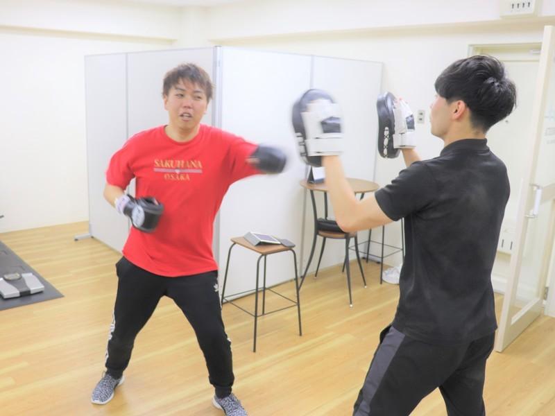 【男性向け!】ガチで割れた腹筋を手に入れるパーソナルトレーニングの画像