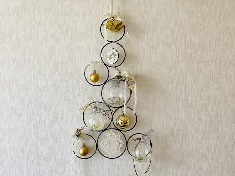 アイアンリングのツリー型ホワイトゴールドクリスマスアレンジ☆の画像