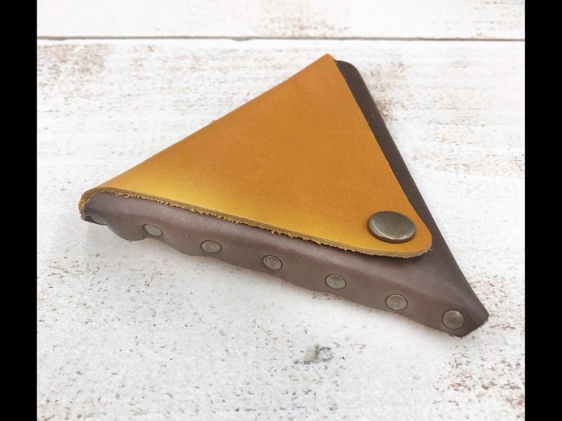 【レザークラフト】三角コインケースの画像