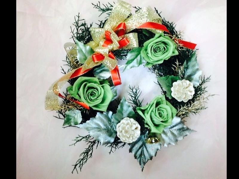 好きな色のお花で毎年飾れる華やかなクリスマスリースを作ろう!の画像