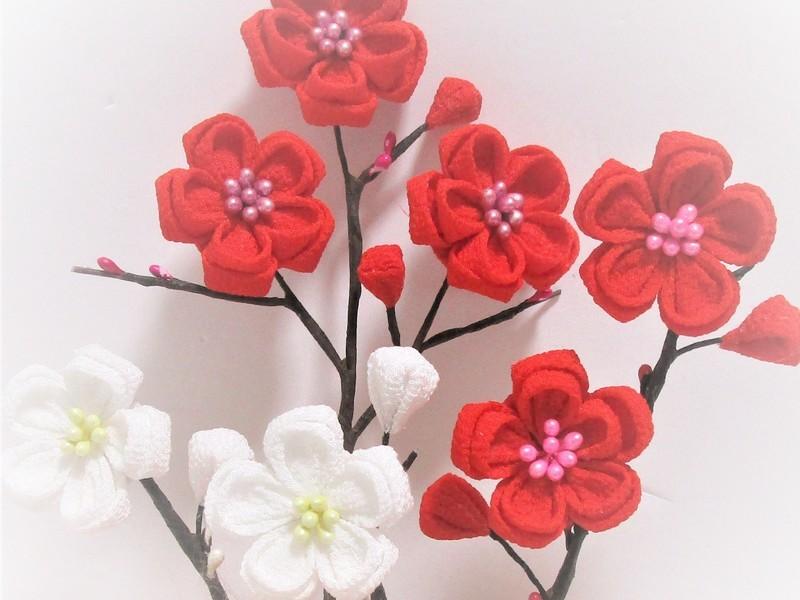梅と桜のつまみ細工の画像