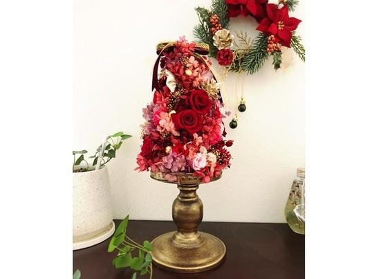 可愛らしく、上品なクリスマスツリーの画像