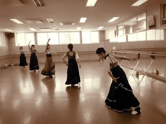 超初心者向け 大人になって始めるバレエの扉を開く最初の一歩の画像
