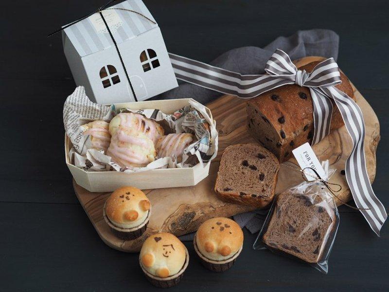 パウンド型で!バレンタインに贈ろう♪手ごねで簡単なチョコ食パンの画像