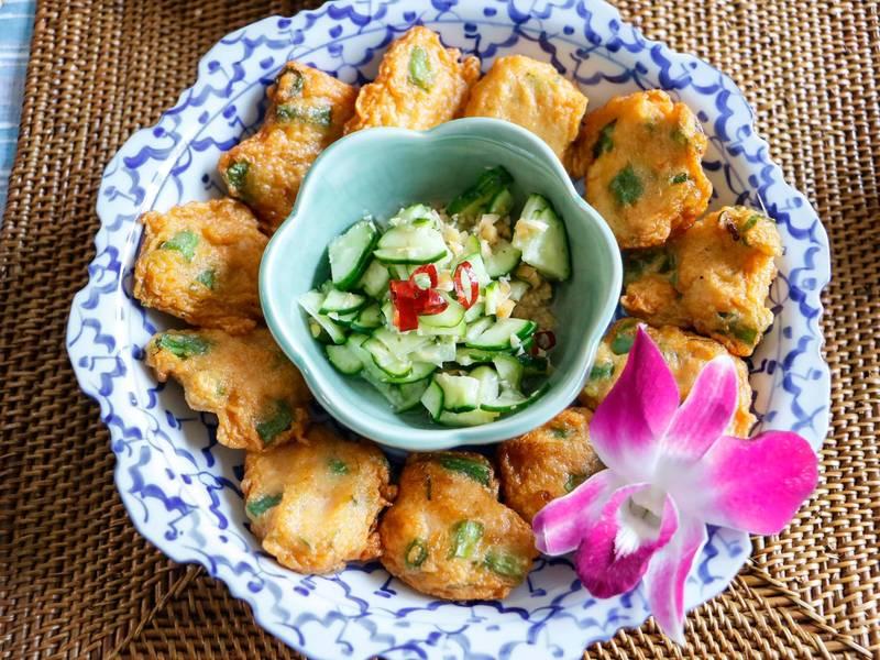 タイ料理入門!ペーストで作る簡単グリーンカレー&薩摩揚げの画像