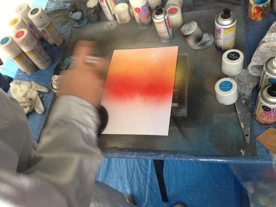 スプレーだけで誰でもアーティストに!スプレーアート教室の画像