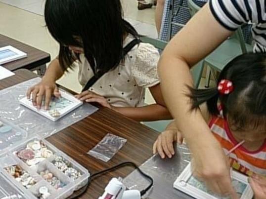【博多マルイ開催】夏休み企画★シーグラスのフォトフレームを作ろう!の画像