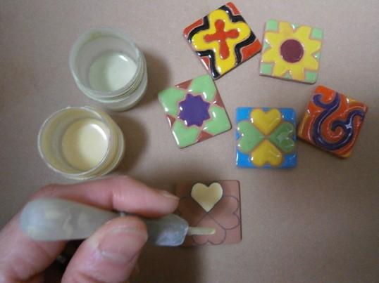 スペイン陶芸絵付け☆で秋バラのコースターを作ってみよう!の画像