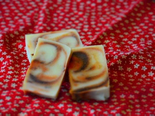 ぶきっちょさんのアロマ付き手作り石鹸の画像