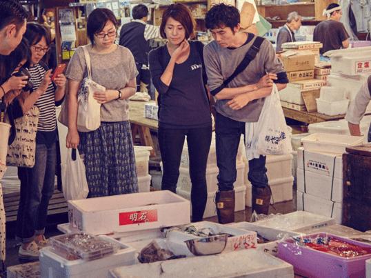 築地を巡り、お魚さばきに日本酒ペアリング!の画像