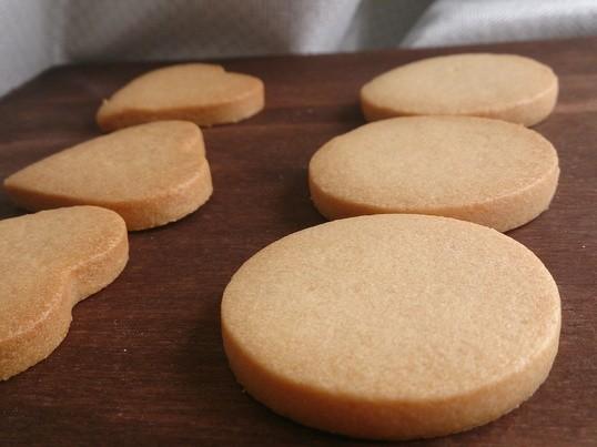 初心者でも大丈夫!可愛いアイシングクッキーを作ろうの画像