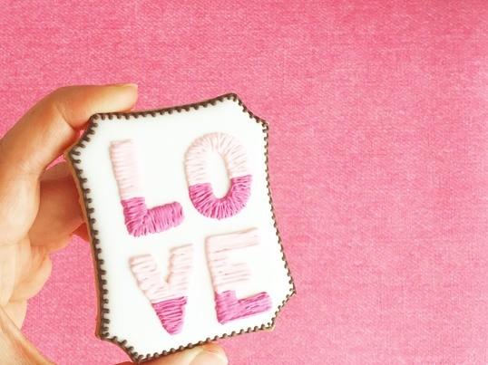 お子様連れでもOK!「LOVE」アイシングクッキーレッスンの画像