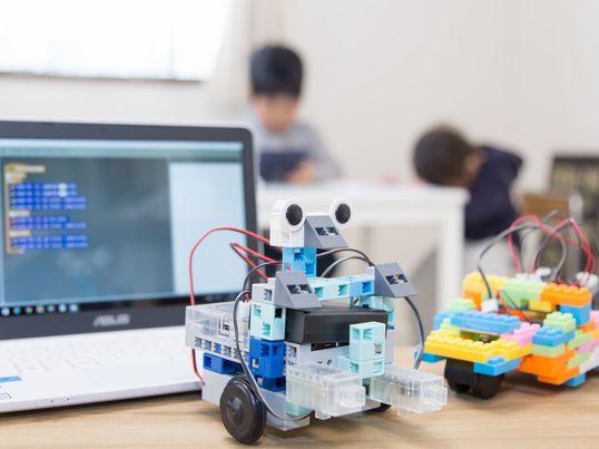 親子向けプログラミングロボット体験講座の画像