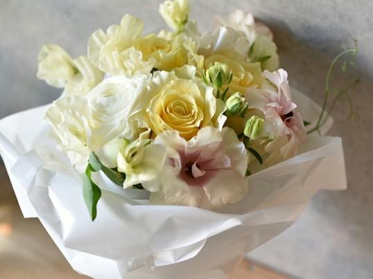 春のお花を使ってブーケレッスン。春!花のある暮らしを始めませんか?の画像