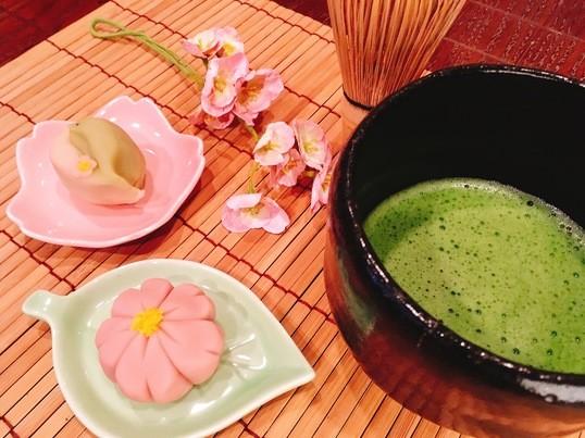 口どけしっとり練り切りアドバンス(桜)抹茶付きの画像