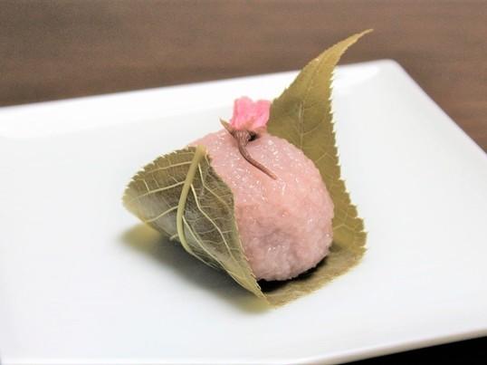 季節の和菓子「桜もち」と美しいようかん「春らんまん」を作ろう! の画像