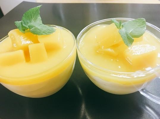 旬のマンゴームースと豆乳パンナコッタの画像