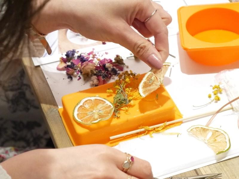 【好きな香りとお花で包まれるお部屋に♪】季節のキャンドルサシェの画像