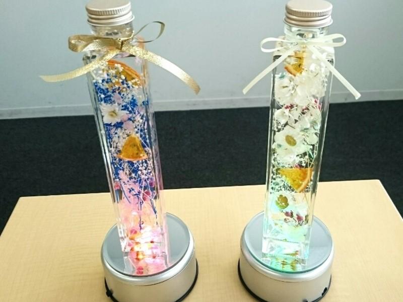 今大注目選べる植物の美しい色彩と光を閉じ込めガラス世界ハーバリウムの画像