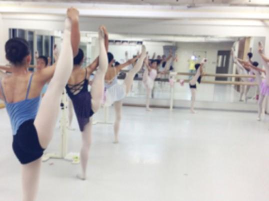 クラシックバレエ初心者クラスの画像