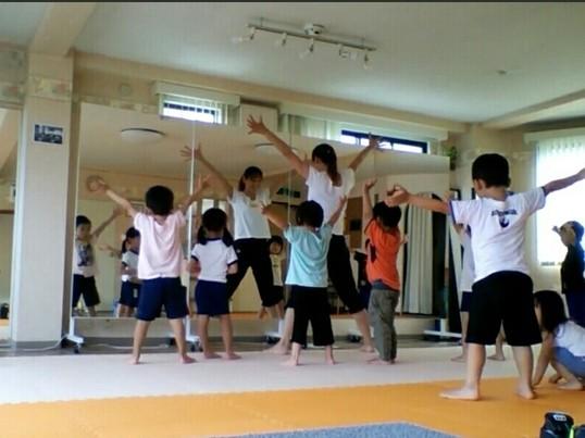 キンダーキッズダンスレッスン 4才~園児クラス 楽しくダンス の画像