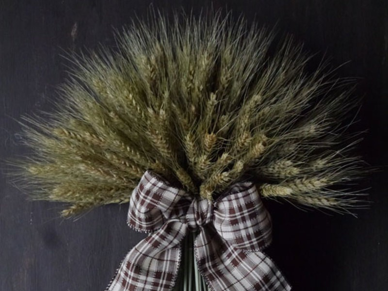 小麦のドライフラワーのスワッグ(壁飾り)づくりの画像