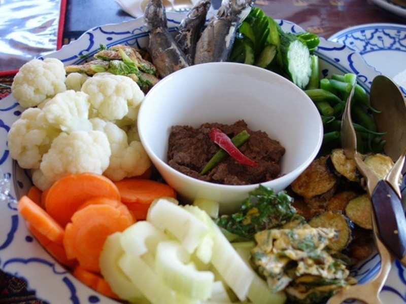 【タイ料理入門】ジューシーBBQチキンと野菜ディップを作ろう!の画像