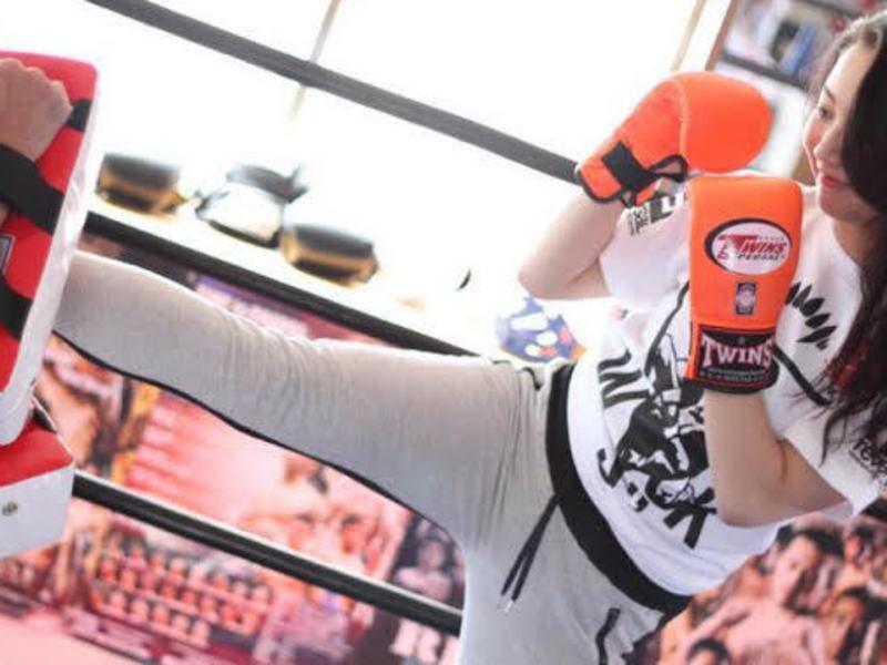 初めてのキックボクシング! 試しにグローブをはめてみませんか?の画像