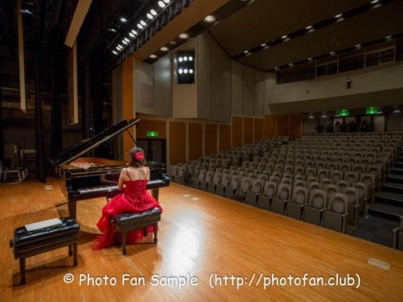 PhotoFan新年会★コロコロ照明のステージでダンス・ピアノ撮影の画像