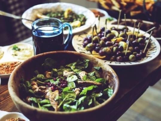 スマホで簡単✨ インスタ映えする綺麗なサラダの盛り付け方♬の画像