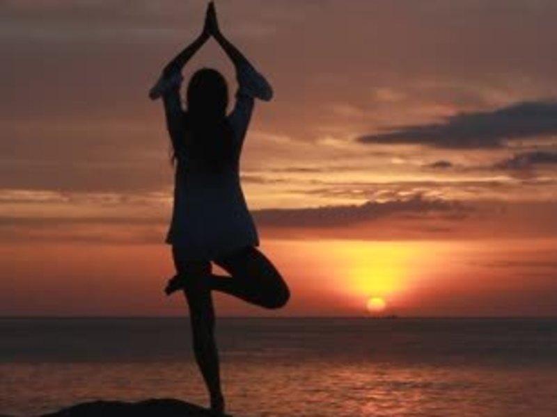 週末のリセット!身体と心を整える呼吸で動くハタヨガの画像