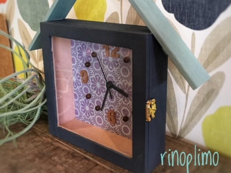 ▽▼▽選べる壁紙のお家型時計▽▼▽の画像