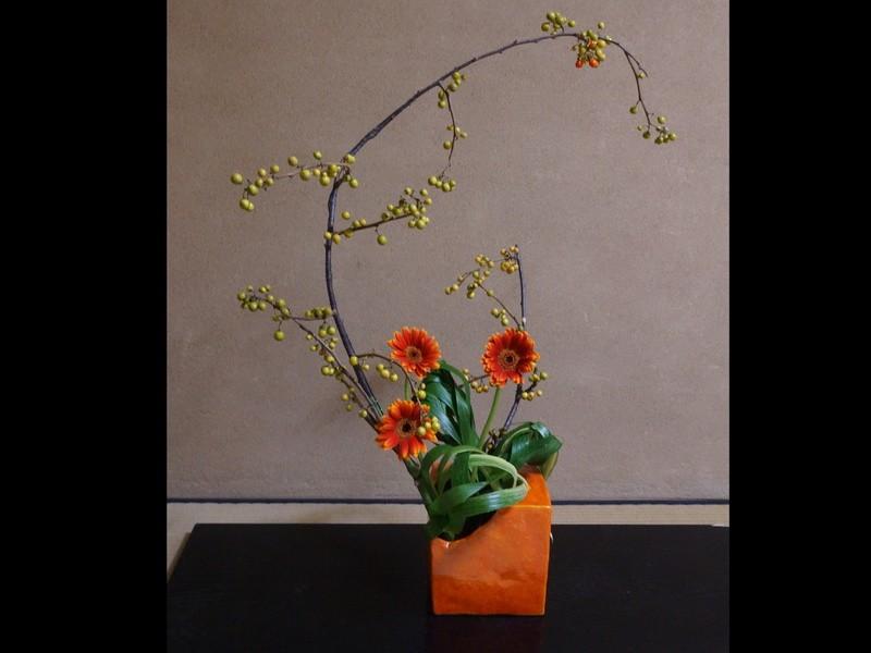 【初心者大歓迎】日本の生け花って何?池坊自由花をお教えします。の画像