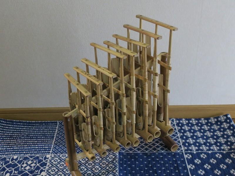 日本橋のカフェで全員参加のアンクルン合奏を楽しむ講座の画像