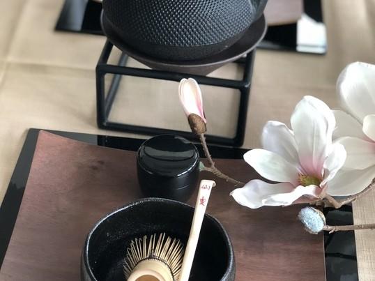 カフェで、気軽にテーブル茶道体験の画像
