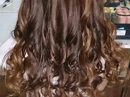 コテ巻き♪自分で髪を巻けるようになろう!プロのヘアセット付き☆の画像