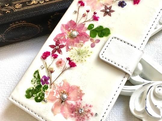 本物のお花で作るスマホカバーの画像