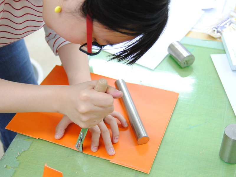 初めてのレザークラフト 栃木レザーでツバメノートカバーを作成の画像