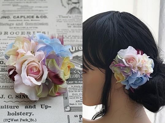誰でも簡単に!フェミニンでかわいいバラの髪飾りの画像