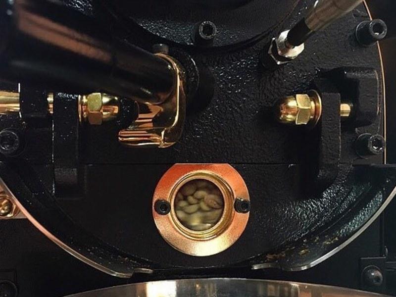 焙煎機を操作して自分で珈琲豆を焼いてみよう〜焙煎教室(体験編)〜の画像