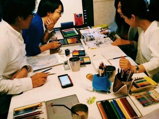 癒しの色鉛筆画カフェの画像