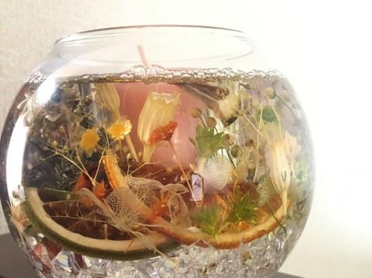 ボタニカルなジェルキャンドルホルダーとアロマの香りで癒しを♡の画像
